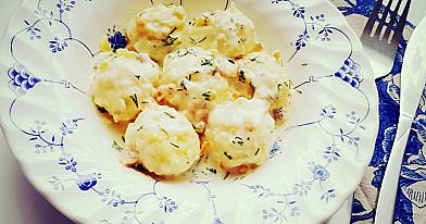 Tikra klasika: Šilkiniai bulvių kukulaičiai su spirgučių padažu