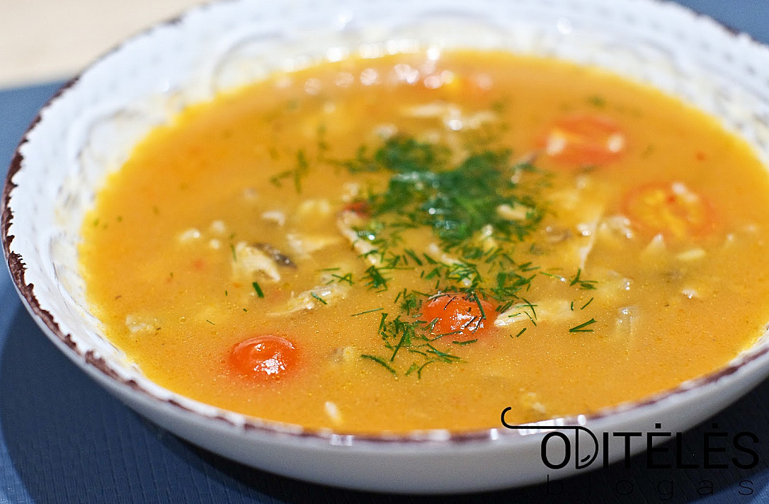 Замечательный суп с утиным бульоном, рисом и помидорами черри