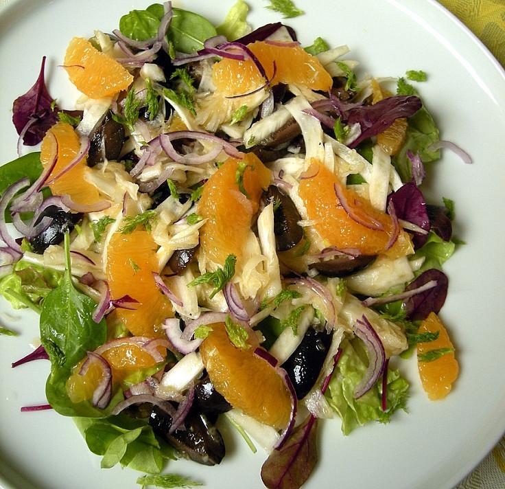 Nuostabios pankolių ir apelsinų salotos su alyvuogėmis