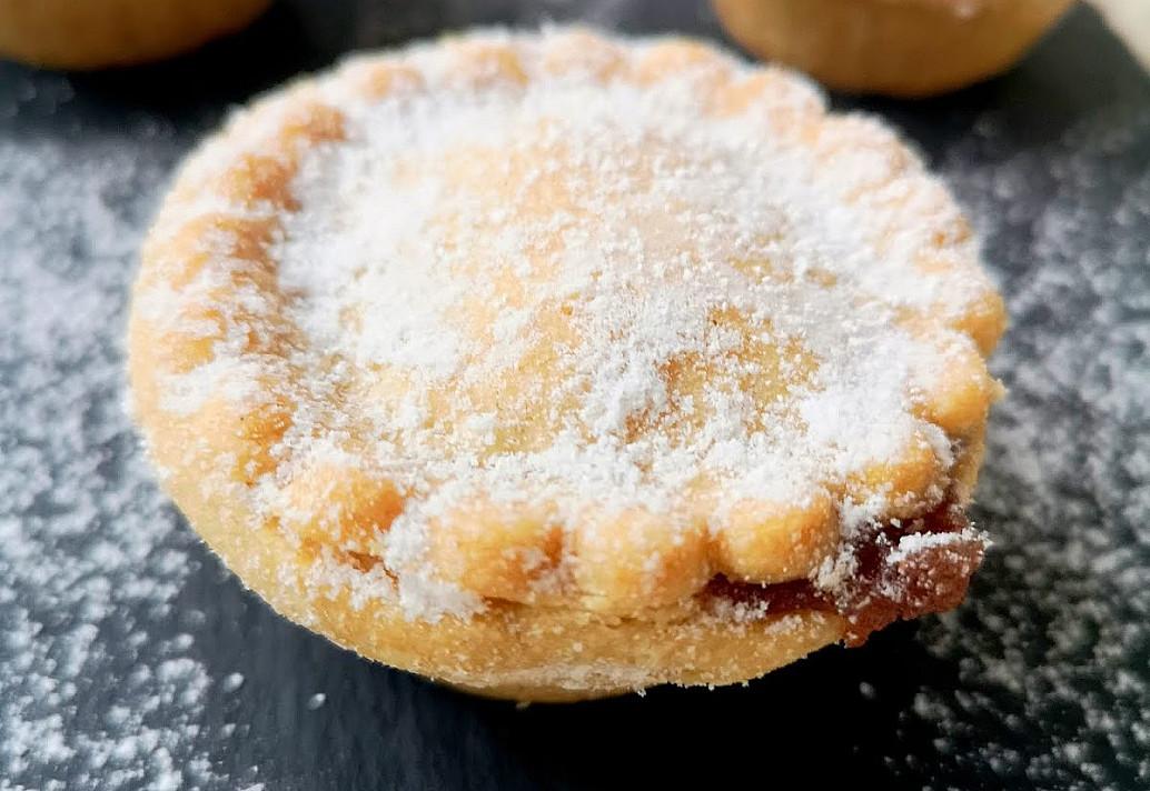 Mince pie – сладкий английский рождественский пирожок. Не только для своего праздничного стола, но и в подарок для друзей!