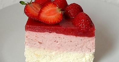 Торт с клубникой который ненужно печь