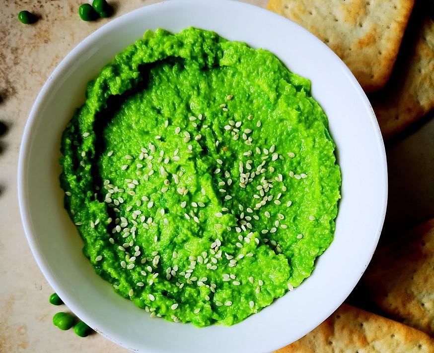 Žirnelių humusas - su daržovėmis, traškučiais ar krekeriais!