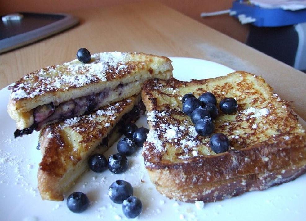 Tobulybė pusryčiams: Prancūziškas skrebutis su mėlynėmis pagal Beatą