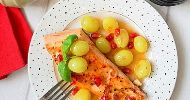 Pan-Seared Salmon with Grapes