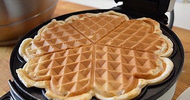 Easy to make Homemade Waffles with cinnamon