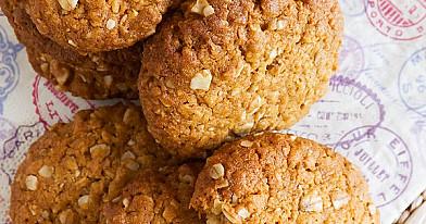 Kareivio sausainiai - traškūs, kieti sausainiai su avižiniais dribsniais bei kokoso drožlėmis!