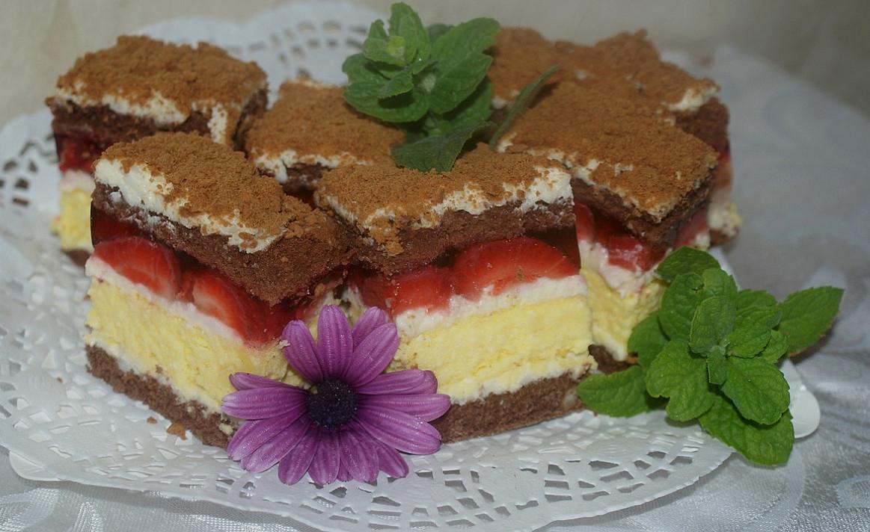 """Ciasto """"Calineczka"""" - truskawkowe ciasto z nieba !"""