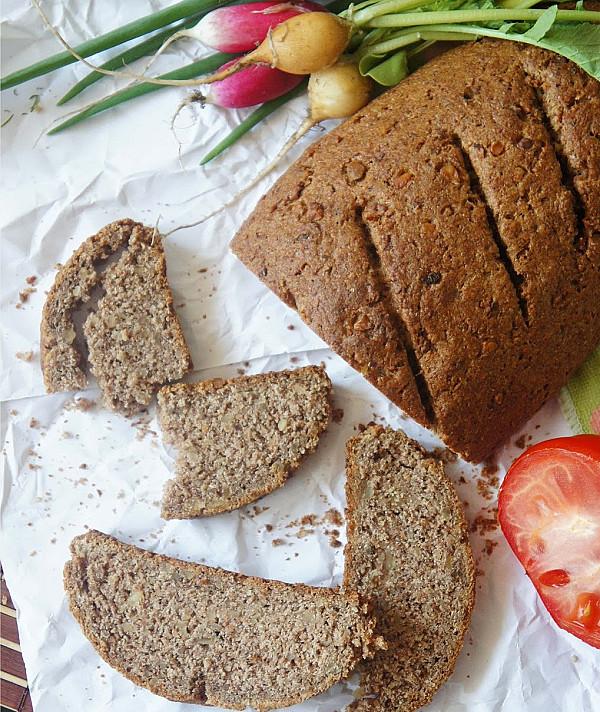 Graikinių riešutų duona (greitai pagaminama)