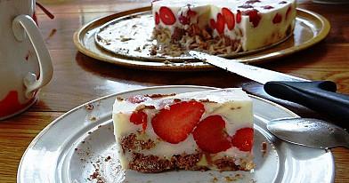 Braškinis-žele tortas
