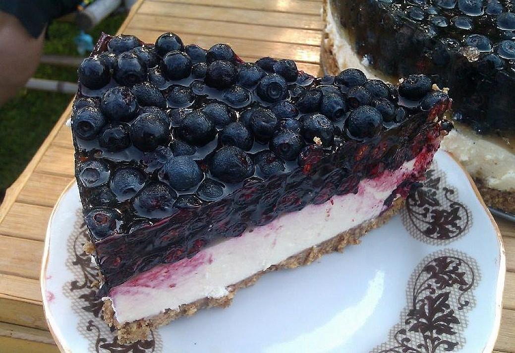 Mėlynių ir varškės tortas