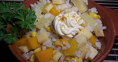 Żółta sałatka