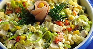 Sałatka ''Wypasiony por'' - z porem, szynka i żółtym serem