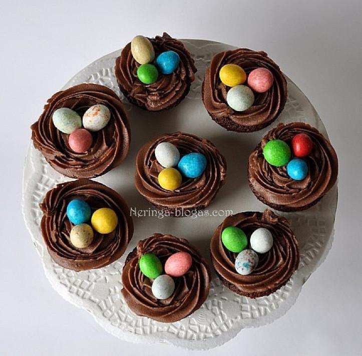 Velykiniai lizdeliai - šokoladiniai mufinai (keksiukai)