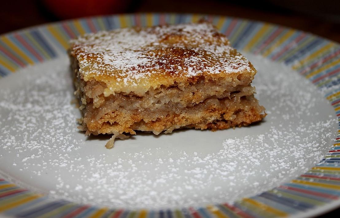 Bulgariškas obuolių pyragas