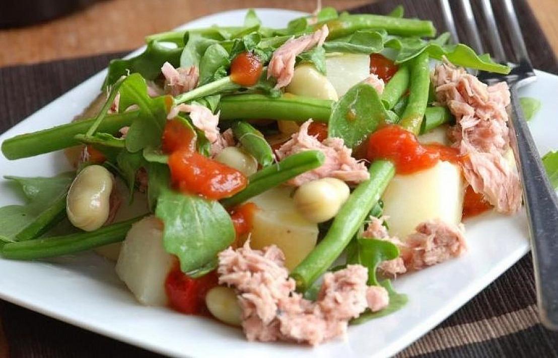 Tuno salotų su šparaginėmis pupelėmis receptas