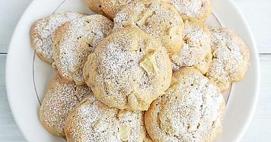 Minkšti sausainiai su obuoliais ir cinamonu