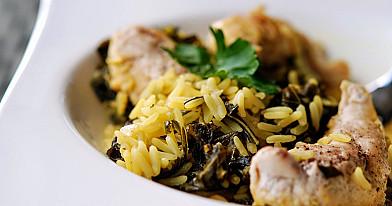 Citrininė vištiena ir ryžiai su lapiniais kopūstais