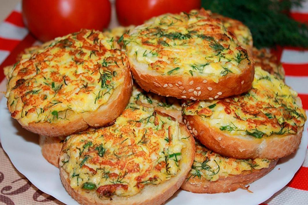Greiti pusryčiai (skrebučiai su sūriu)