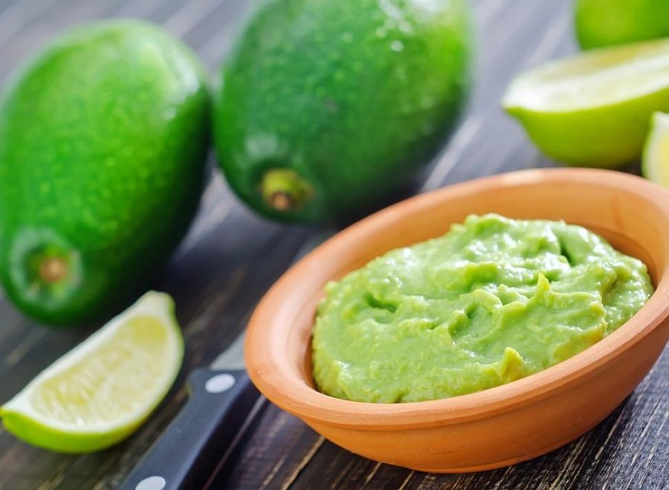 Sveika avokado užtepėlė - guacamole (gvakamolė)