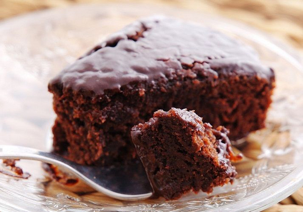 Šokoladinis burokėlių pyragas be įprastinių miltų