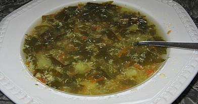 Rūgštynių - špinatų sriuba su kiaušiniais