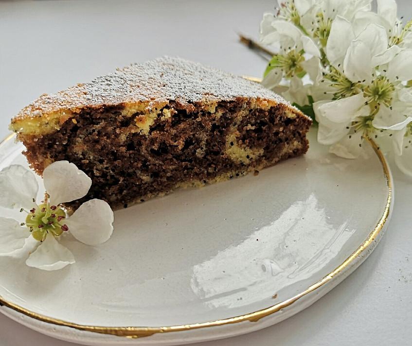 Lengvai pagaminamas margas pyragas su aguonomis
