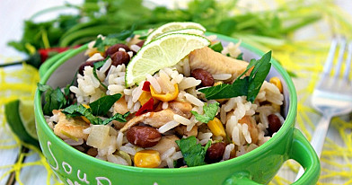 Ryż cytrynowy z kurczakiem, kolendrą i fasolą