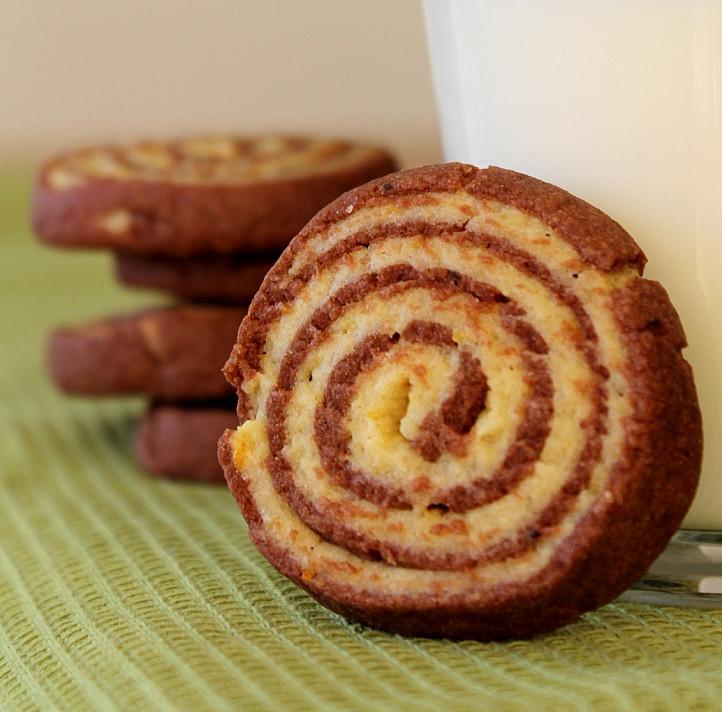 Sausainiai: Šokoladinės - apelsininės spiralės