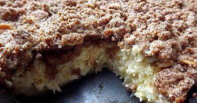 Ciasto jabłkowo-twarogowe z cynamonową kruszonką