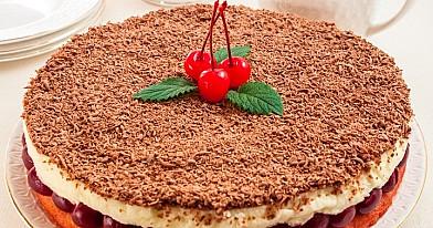 Tort z kremem mascarpone