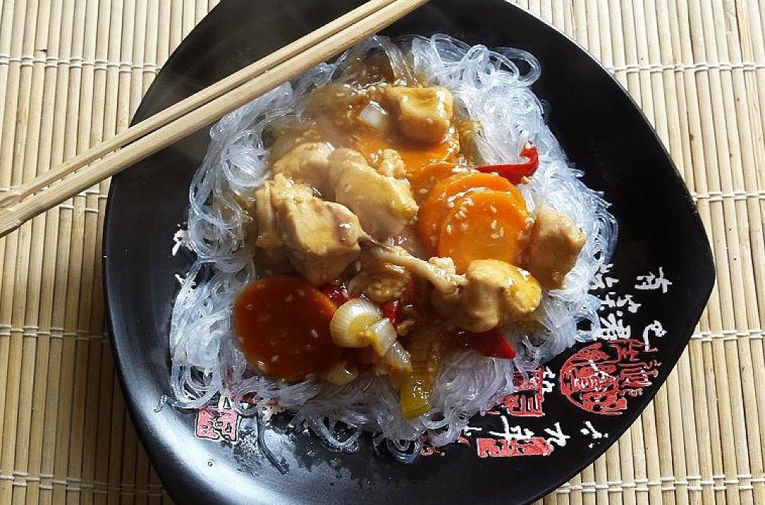 Vištiena su daržovėmis teriyaki padaže