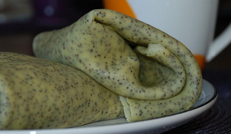 Aguoniniai lietiniai su varškės - bananų įdaru