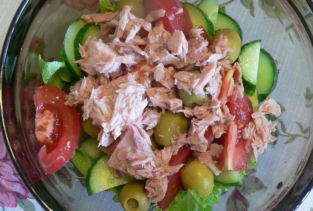 Paprastos tuno salotos