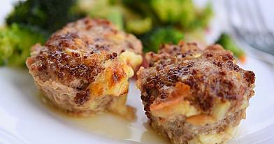 Paukštienos (vištienos arba kalakutienos) keksiukai su sūrio įdaru