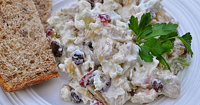 Chicken Salad with Raisins