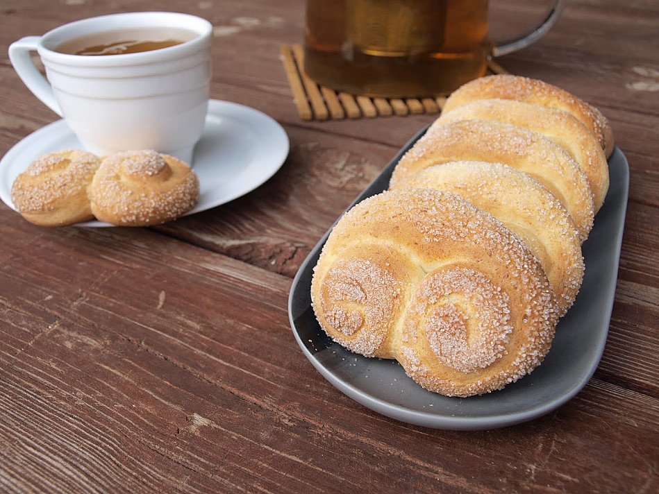 Sausainiai: Saldūs varškės riestainiai