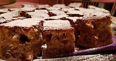Bananų pyragas su graikiniais riešutais