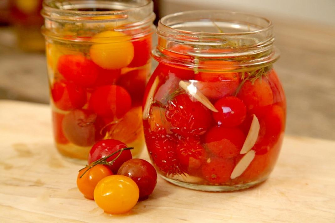 Marinuoti vyšniniai pomidorai