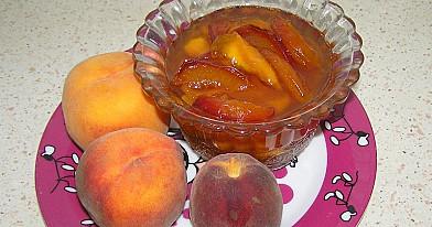Agrastų ir persikų uogienė