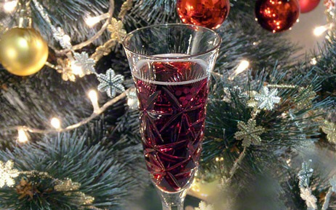 """Koktajl z szampanem i likierem """"Kir Royal"""""""