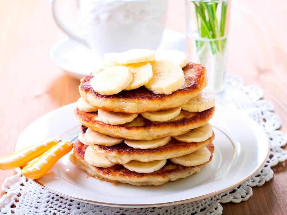 Proteino - baltyminiai blyneliai su bananais be miltų
