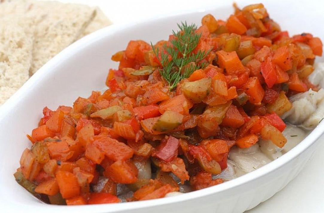 Silkė su kepintom daržovėm