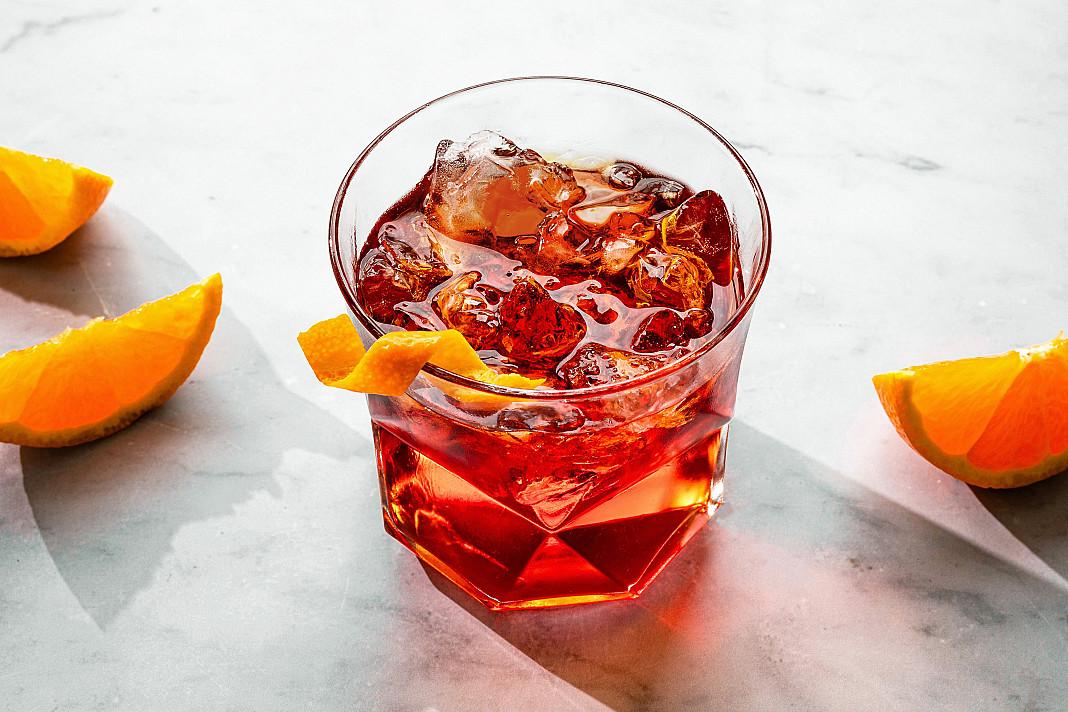 Negroni - Campari alkoholinis kokteilis su džinu ir vermutu