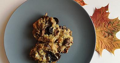 Orkaitėje kepti grybų kotletai su svogūnais, česnakais ir džiūvėsėliais