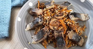 Grikių salotos-mišrainė su pievagrybiais ir silke