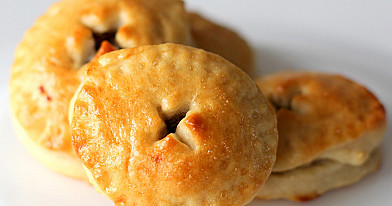 Nesaldūs pyragėliai su grybais