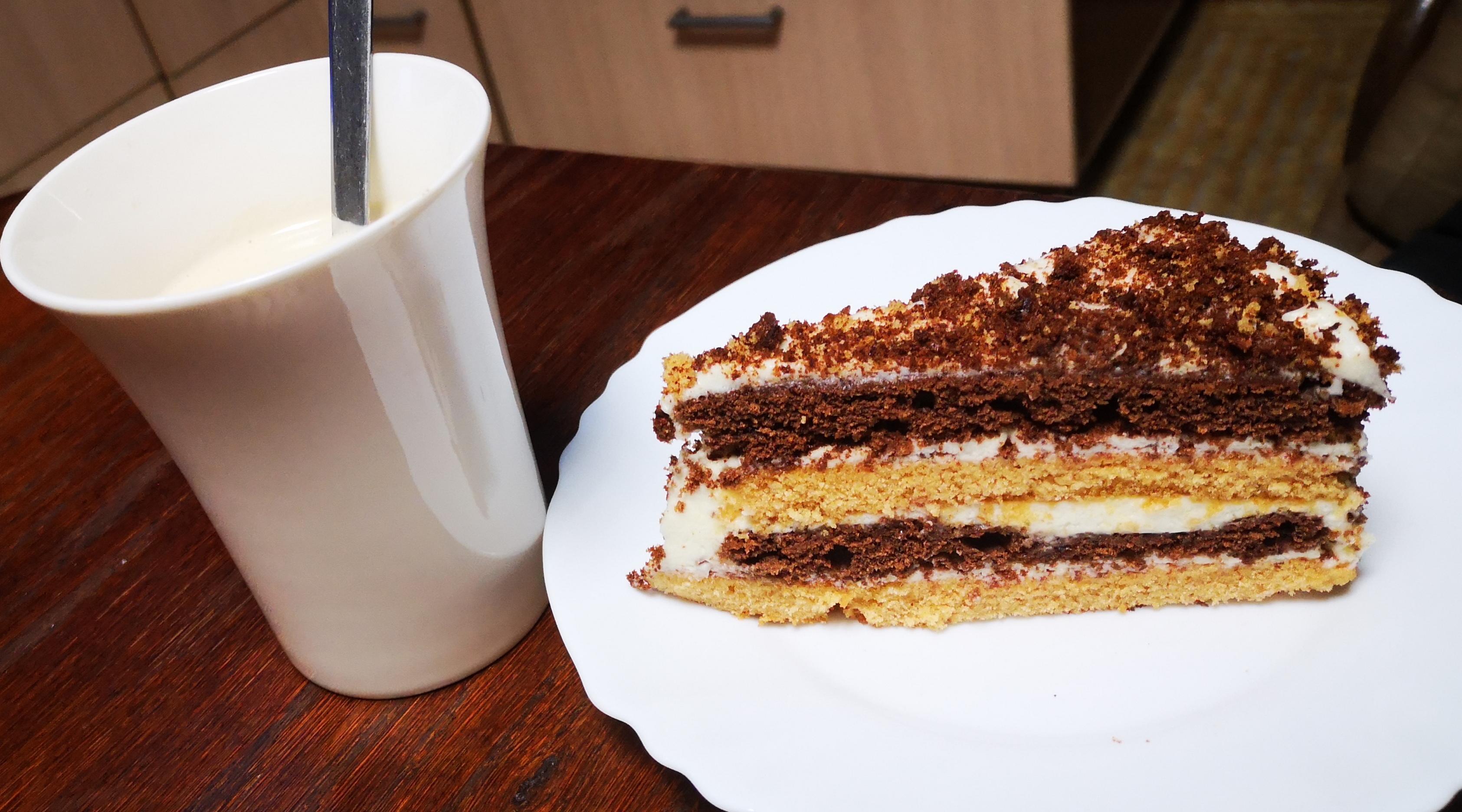Kondensuoto pieno tortas: pasakiškai gardus ir greitai pagaminamas!