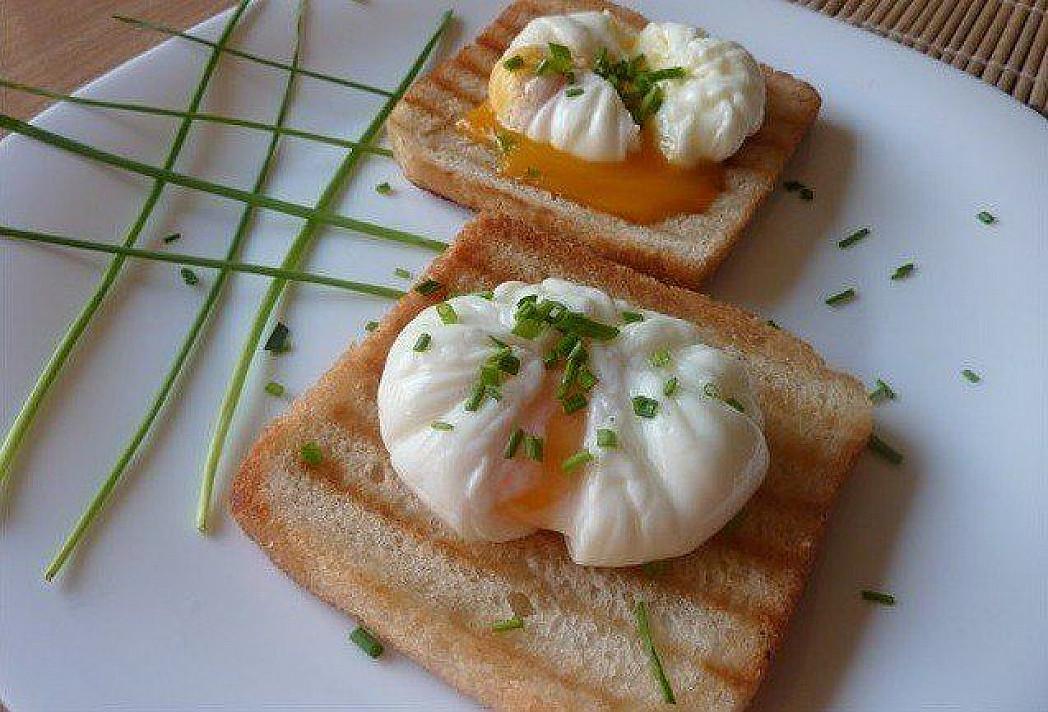 Legen Sie Eier oder gekochte Eier