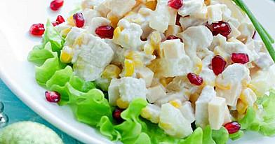 Mišrainė: Silkė su konservuotais ananasais ir kukurūzais