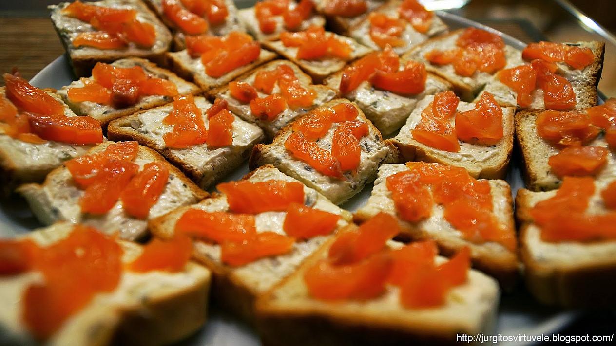 Gaivūs ir lengvi sumuštiniai su lašiša prie vyno